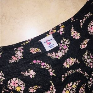 Old Navy Tops - Old navy medium floral blouse